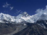 Snow-Capped Mount Everest  Seen from the Nameless Towers  Himalaya Mountains  Nepal