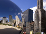 Cloud Gate sculpture in Millennium Park  Chicago  Illinois  USA
