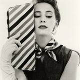 Barbara Miura with Madame Crystal Handbag and Neck Tie, 1953 Reproduction d'art par John French