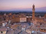 Palazzo Publico and Piazza Del Campo  Siena  Tuscany  Italy