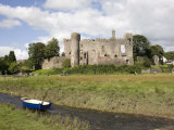 Castle and Foreshore  Laugharne  Carmarthenshire  South Wales  Wales  United Kingdom  Europe