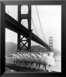 San Francisco Ballet Company and the Golden Gate, c.1960 Reproduction giclée encadrée