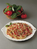 Close-Up of Spaghetti with Tomatoes in a Bowl