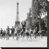 Les jardins du Champs-de-Mars, 1944 (photographie noir & blanc) Tableau sur toile par Robert Doisneau