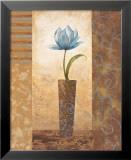 Brazen Blue Tulip Reproduction laminée et encadrée par Nan