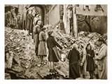 Trummerfrauen Clear Rubble in Berlin  1945
