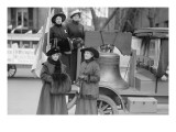 Suffragettes Sport a Replica of the Liberty Bell