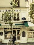 Cafe  Quai De L'Hotel De Ville  Marais District  Paris  France