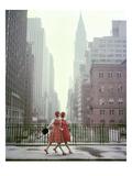 Vogue - August 1958 - Taking A Stroll Reproduction d'art par Sante Forlano
