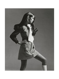 Vogue - March 1969 - Jean Shrimpton in Mini Photo premium par Gianni Penati