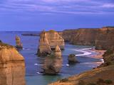 Twelve Apostles Limestone Cliffs, Port Campbell National Park, Victoria, Australia Papier Photo par Konrad Wothe