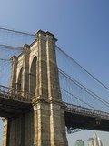 Brooklyn Bridge Tower and Lower Manhattan Papier Photo par Tom Grill