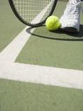 Tennis Player on Court Papier Photo par Tom Grill