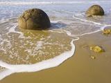 Large Moeraki Boulders on Koekoche Beach