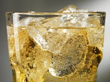 Close-up of Cider on Ice Papier Photo par Steve Lupton