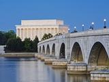 Arlington Memorial Bridge and Lincoln Memorial in Washington  DC