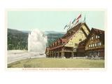 Old Faithful Inn  Yellowstone Park  Montana