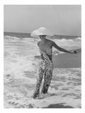 Vogue - July 1972 - Diana Ewing Walking in the Surf