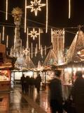 Stalls of Christmas Market  With Baroque Trinity Column in Background  Hauptplatz  Linz  Austria