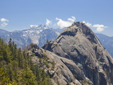 Moro Rock and the High Mountains of the Sierra Nevada  Sequoia National Park  California  USA