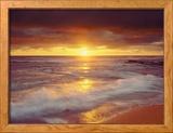 Plage avec des rochers au coucher de soleil sur l'océan pacifique San Diego, Californie, États-Unis Photo encadrée par Christopher Talbot Frank