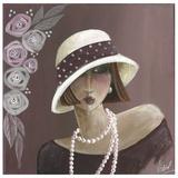 Femme Chapeau Blanc Violet
