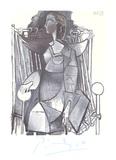 Femme Assise Dans un Fauteuil Tresse