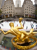 Ice Skating Rink Below the Rockefeller Centre Building on Fifth Avenue  New York City  New York  Un