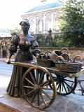 Molly Malone Statue  Grafton Street  Dublin  Republic of Ireland  Europe