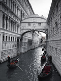 Bridge of Sighs, Doge's Palace, Venice, Italy Papier Photo par Jon Arnold