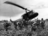 Guerre du Vietnam Hélicoptère de l'armée américaine Papier Photo par Nick Ut