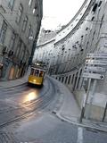 Apn Lisbon Streetcar Papier Photo par Armando Franca