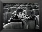 Alain Delon dans une salle de cinéma Photo encadrée par Luc Fournol