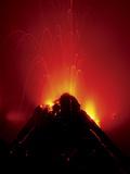 Volcano Erupting, Hawaii Volcanoes National Park, Hawaii Papier Photo par Frans Lanting