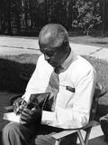 Dr Benjamin E Mays