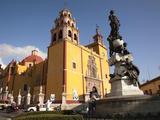 Cathedral of Guanajuato and Fountain  Guanajuato  Mexico