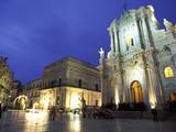 Duomo Square at Dusk  Ortygia  Siracusa  Sicily  Italy  Europe