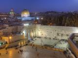 Jewish Quarter of Western Wall Plaza, Old City, UNESCO World Heritge Site, Jerusalem, Israel Papier Photo par Gavin Hellier