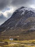 Single Small Cottage and Buachaille Etive Mor  Rannoch Moor  Glencoe  Highland Region  Scotland