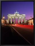 Brandenburg Gate at Night, Berlin, Germany Tableau sur toile encadré par Terry Why