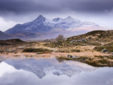 The Cuillins Reflected in the Lochan, Sligachan, Isle of Skye, Scotland, UK Papier Photo par Nadia Isakova