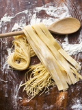 Home-Made Pasta with Wooden Spoon Papier Photo