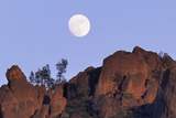 Full Moon  High Peaks  Pinnacles National Monument  California  USA