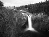 Salish Lodge and English Daisies  Snoqualmie Falls  Washington  USA