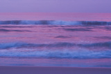 Waves and Surf On the Atlantic Ocean At Sunrise Papier Photo par Brian Gordon Green