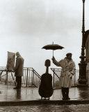 Musicien sous la pluie Reproduction d'art par Robert Doisneau