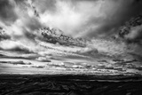 Laki, Or Lakagigar, Is a Volcanic Fissure in Iceland, Under Heavy Clouds Papier Photo par Jonathan Irish