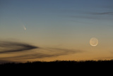 Comet C/2011 L4 (PANSTARRS) and a Setting New Moon on March 12  2013