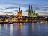 River Rhine  and Cathedral (Dom)  Cologne (Koln)  North Rhine Westphalia  Germany