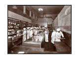 The Kitchen at the Philadelphia Ritz-Carlton Hotel, 1913 Reproduction d'art par Byron Company